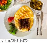 Turkish shish kofte kebab. Стоковое фото, фотограф Яков Филимонов / Фотобанк Лори