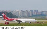 Nordwind 777 airliner at Sheremetyevo International Airport. Редакционное видео, видеограф Игорь Жоров / Фотобанк Лори