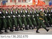 Парадный расчёт военной полиции во время парада на Красной площади Москвы в честь Дня Победы. Редакционное фото, фотограф Free Wind / Фотобанк Лори
