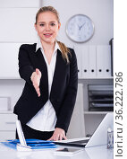 Businesswoman ready for handshake. Стоковое фото, фотограф Яков Филимонов / Фотобанк Лори