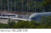 Passenger Airplane ready to fly (2019 год). Редакционное видео, видеограф Игорь Жоров / Фотобанк Лори