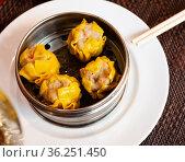 Japanese food Shumai - Steamed dumplings, nobody. Стоковое фото, фотограф Яков Филимонов / Фотобанк Лори