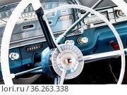 Oldtimer Ford Galaxie Skyliner - Bj. 1959, 5768 ccm, 300 PS, 185 ... Стоковое фото, фотограф Zoonar.com/Dieter Meyer / age Fotostock / Фотобанк Лори