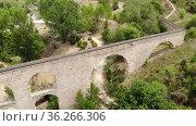 Aqueduct de Santa Peer de Riderless. Santa Peer de Riderless, Barcelona. Spain. Стоковое видео, видеограф Татьяна Яцевич / Фотобанк Лори