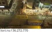 Street view with people on crosswalk and traffic. Редакционная анимация, видеограф Игорь Жоров / Фотобанк Лори