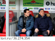 Verletzte Freiburger Spiele4r: v.li. Nicolas Höfler (Freiburg), und... Стоковое фото, фотограф Zoonar.com/Joachim Hahne / age Fotostock / Фотобанк Лори