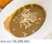 Creamy mushroom soup with mushrooms. Стоковое фото, фотограф Яков Филимонов / Фотобанк Лори