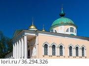 Yaroslavl, Russia - May 8, 2016: The ortodox church of the Spaso-Preobrazhensky... Стоковое фото, фотограф Zoonar.com/Yuri Dmitrienko / easy Fotostock / Фотобанк Лори