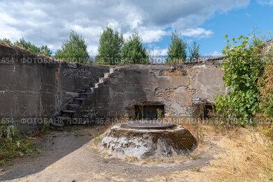 """Основание для крепления артиллерийского орудия. Мортирная батарея форта """"Шанц"""". Кронштадт. Санкт-Петербург"""