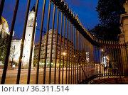 Alcalá street from the Retiro park, night view. Madrid, Spain. Стоковое фото, фотограф María Galán / age Fotostock / Фотобанк Лори