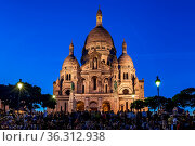 PARIS, FRANCE - JULY 2: Sacre Coeur Basilica on Summer Evening with... Стоковое фото, фотограф Zoonar.com/Andrey Omelyanchuk / age Fotostock / Фотобанк Лори