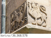 Cornerstone with heraldic mythical creatures, griffin and griffin... Стоковое фото, фотограф Ullrich Gnoth / age Fotostock / Фотобанк Лори