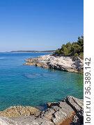 Die Halbinsel Kamenjak in Istrien ist ein Paradies für alle Mountainbiker... Стоковое фото, фотограф Zoonar.com/Eder Christa / easy Fotostock / Фотобанк Лори