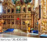 Kazan, Russia - June 11, 2018: Orthodox iconostasis inside the Cathedral... Стоковое фото, фотограф Zoonar.com/Alexander Blinov / easy Fotostock / Фотобанк Лори