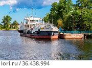 Shlisselburg, Russia - August 8, 2018: Ship is at the quay wall of... Стоковое фото, фотограф Zoonar.com/Alexander Blinov / easy Fotostock / Фотобанк Лори
