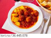Albondigas, hot stew tomato soup with meatballs. Стоковое фото, фотограф Яков Филимонов / Фотобанк Лори