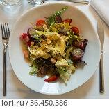 Spanish salad with goat cheese. Стоковое фото, фотограф Яков Филимонов / Фотобанк Лори