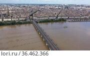Day aerial cityscape of Bordeaux city and Garonne river in France. Стоковое видео, видеограф Яков Филимонов / Фотобанк Лори