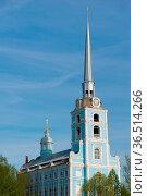 Church of the Holy apostles Peter and Paul in Yaroslavl, Russia. Golden... Стоковое фото, фотограф Zoonar.com/Yuri Dmitrienko / easy Fotostock / Фотобанк Лори