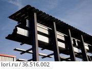 Regal mit Metallteilen, regal, metall, metallteile, blech, bleche... Стоковое фото, фотограф Zoonar.com/Volker Rauch / easy Fotostock / Фотобанк Лори