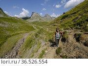 Col de Anéou, Ayous lakes tour, Pyrenees National Park, Pyrenees ... Редакционное фото, фотограф Tolo Balaguer / age Fotostock / Фотобанк Лори