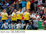 Warm Up der Villinger Auswechselspieler - SBFV-Pokal - 2015/16: Finale... Стоковое фото, фотограф Zoonar.com/Joachim Hahne / age Fotostock / Фотобанк Лори
