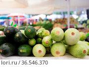 Market stall with variety of organic vegetable. Стоковое фото, фотограф Zoonar.com/Matej Kastelic / easy Fotostock / Фотобанк Лори