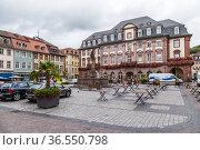 Гейдельберг, Германия. Рыночная площадь (Marktplatz) (2017 год). Редакционное фото, фотограф Rokhin Valery / Фотобанк Лори