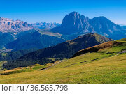 Langkofel und Plattkofel in den italienischen Dolomiten - mountains... Стоковое фото, фотограф Zoonar.com/Liane Matrisch / easy Fotostock / Фотобанк Лори