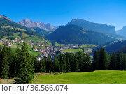 Groedner Tal St. Christina - Val Gardena St. Christina in Alps, Dolomites... Стоковое фото, фотограф Zoonar.com/Liane Matrisch / easy Fotostock / Фотобанк Лори