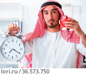 The arab businessman working in the office. Стоковое фото, фотограф Zoonar.com/Elnur Amikishiyev / easy Fotostock / Фотобанк Лори