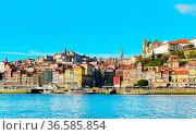 Skyline of Porto, Portugal. View from Gaia. Стоковое фото, фотограф Zoonar.com/Ivan Tykhyi / easy Fotostock / Фотобанк Лори