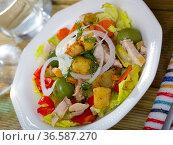 Salad with chicken, eggplants, greens. Стоковое фото, фотограф Яков Филимонов / Фотобанк Лори