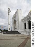 White Mosque in Shali, Chechnya, Russia. Стоковое фото, фотограф Знаменский Олег / Фотобанк Лори