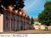 Das Rathaus von Breisach gegenüber des Münsters. Стоковое фото, фотограф Zoonar.com/Thomas Klee / easy Fotostock / Фотобанк Лори