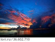 Drifting boat on a sunset on the tropical island. Philippines. Стоковое фото, фотограф Zoonar.com/Morozova Tatiana / age Fotostock / Фотобанк Лори