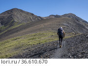 Ascent to Cauarere peak, 2660 meters, Hautes-Pyrenees department, ... Редакционное фото, фотограф Tolo Balaguer / age Fotostock / Фотобанк Лори
