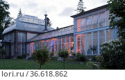 Historisches Gewächshaus im m Weltkulturerbe Bergpark Wilhelmshoehe... Стоковое фото, фотограф Zoonar.com/Robert B. Fishman / age Fotostock / Фотобанк Лори