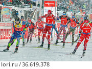Auf die Plätze, fertig los: Das Rennen ist gestartet - IBU Weltcup... Стоковое фото, фотограф Zoonar.com/Joachim Hahne / age Fotostock / Фотобанк Лори