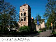 Kirchenruine. Стоковое фото, фотограф Zoonar.com/Martina Berg / easy Fotostock / Фотобанк Лори