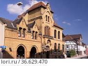 Historische H.-Wemmel's Apotheke in Höxter, Foto: Robert B. Fishman... Стоковое фото, фотограф Zoonar.com/Robert B. Fishman / age Fotostock / Фотобанк Лори