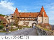 Georg?s Gate in Burghausen Castle, Upper Bavaria, Germany. Стоковое фото, фотограф Zoonar.com/Boris Breytman / easy Fotostock / Фотобанк Лори