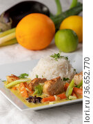 Nahaufnahme von einem Thai-Curry mit Reis. Стоковое фото, фотограф Zoonar.com/Bernd Juergens / easy Fotostock / Фотобанк Лори
