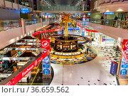 Dubai, Vereinigte Arabische Emirate - 28. Mai 2021: Terminal 3 Concourse... Стоковое фото, фотограф Zoonar.com/Markus Mainka / age Fotostock / Фотобанк Лори