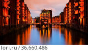 Hamburg Speicherstadt Wasserschloss Nacht - Hamburg city of warehouses... Стоковое фото, фотограф Zoonar.com/Liane Matrisch / easy Fotostock / Фотобанк Лори