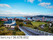 View over Wellington skyline and harbour from near Carter Observatory... Стоковое фото, фотограф Zoonar.com/Chris Putnam / easy Fotostock / Фотобанк Лори
