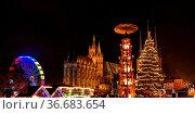 Erfurt Weihnachtsmarkt - Erfurt christmas market 25. Стоковое фото, фотограф Zoonar.com/Liane Matrisch / easy Fotostock / Фотобанк Лори