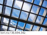 View of the sky through a wooden shaded canopy. Стоковое фото, фотограф Юрий Бизгаймер / Фотобанк Лори