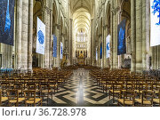 Cathedral Basilica of Our Lady of Amiens interior, Amiens, France. Стоковое фото, фотограф Peter Schickert / age Fotostock / Фотобанк Лори