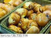 Sweet buns in bakery shop. Стоковое фото, фотограф Яков Филимонов / Фотобанк Лори
